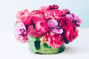 Beverly Hills Flower Delivery Offering Arrangements Hand-Delivered in Fine Glass Vases